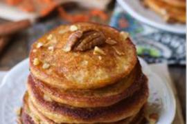 Korzenno-marchewkowe pancakes