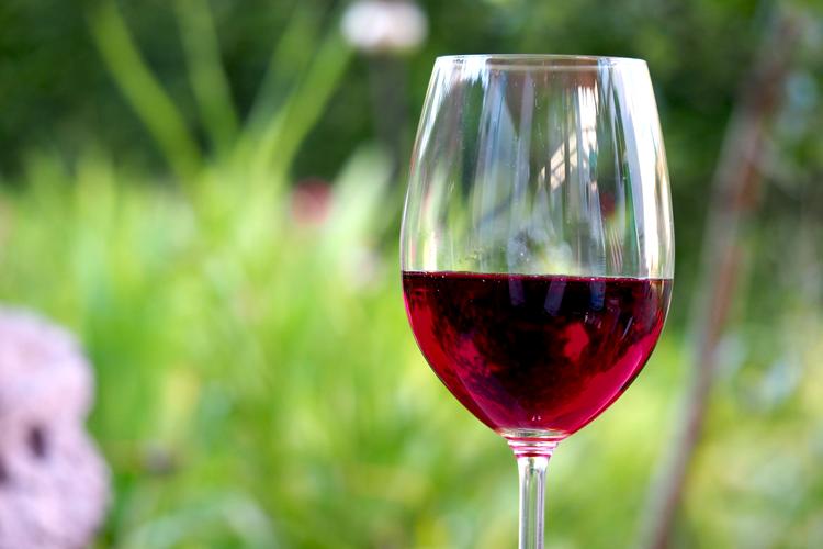 1red-wine-1369425_1920