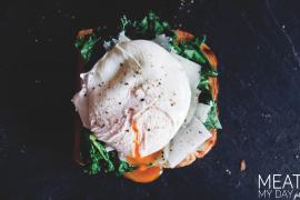 Tost z lardo, serem truflowym i jajkiem