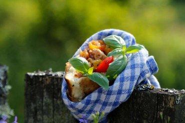 Duże pierogi z warzywnym farszem