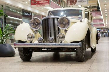 Motolegenda. Wystawa kultowych Jaguarów wGalerii Krakowskiej